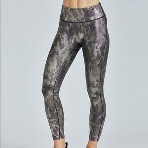 Prismsport size L gold and black exercise leggings